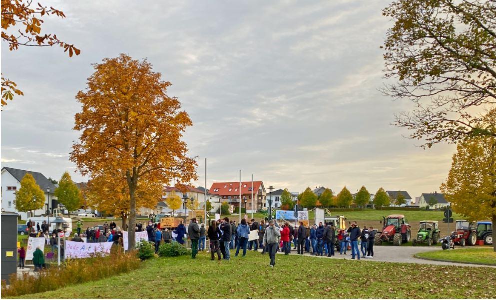 Demonstration vor Hohenberghalle